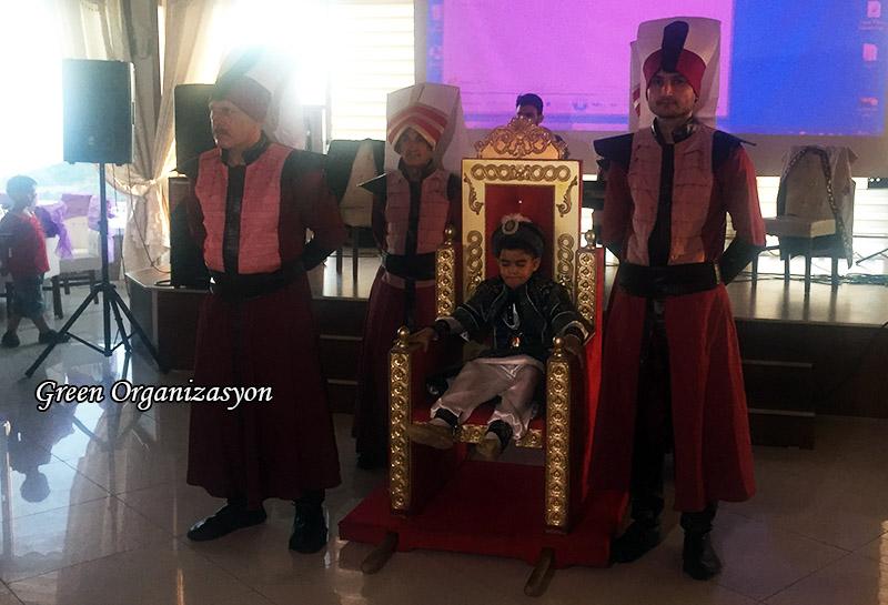 sünnet koltuğu yeniçeri askeri kostümlü